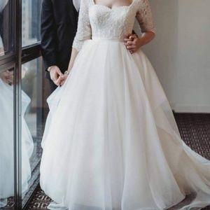 Oleg Cassini Organza 3/4 Sleeved Wedding Dress.